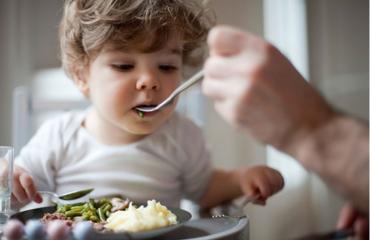 giúp trẻ ăn ngon ngủ ngon