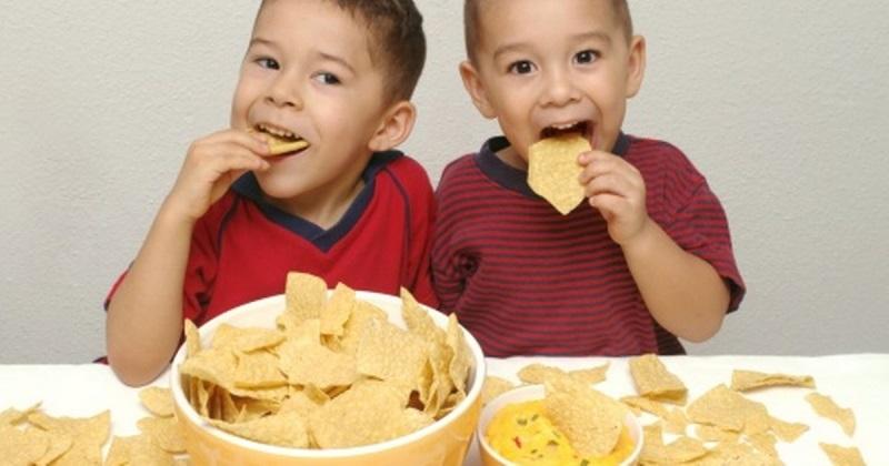 Nguyên nhân trẻ biếng ăn và giải pháp khắc phục mẹ cần biết