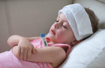 bệnh trẻ dễ gặp vào mùa hè và cách phòng tránh